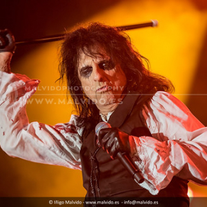 "AliceCooper • <a style=""font-size:0.8em;"" href=""http://www.flickr.com/photos/12855078@N07/35323156634/"" target=""_blank"">View on Flickr</a>"