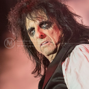 "AliceCooper • <a style=""font-size:0.8em;"" href=""http://www.flickr.com/photos/12855078@N07/35994303562/"" target=""_blank"">View on Flickr</a>"
