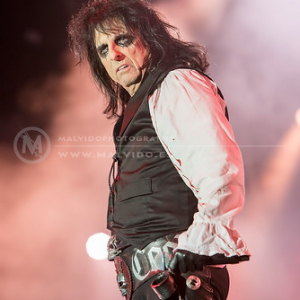 "AliceCooper • <a style=""font-size:0.8em;"" href=""http://www.flickr.com/photos/12855078@N07/35323155554/"" target=""_blank"">View on Flickr</a>"