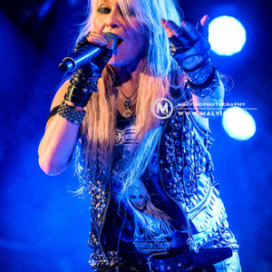 "Doro • <a style=""font-size:0.8em;"" href=""http://www.flickr.com/photos/12855078@N07/47406969851/"" target=""_blank"">View on Flickr</a>"