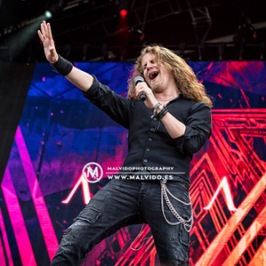 "Amaranthe@KnotFest2019_11 • <a style=""font-size:0.8em;"" href=""http://www.flickr.com/photos/12855078@N07/48351396196/"" target=""_blank"">View on Flickr</a>"