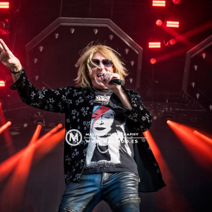 """DefLeppard • <a style=""""font-size:0.8em;"""" href=""""http://www.flickr.com/photos/12855078@N07/48355427611/"""" target=""""_blank"""">View on Flickr</a>"""