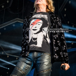 """DefLeppard • <a style=""""font-size:0.8em;"""" href=""""http://www.flickr.com/photos/12855078@N07/48355429031/"""" target=""""_blank"""">View on Flickr</a>"""