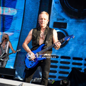 """DefLeppard • <a style=""""font-size:0.8em;"""" href=""""http://www.flickr.com/photos/12855078@N07/48355429851/"""" target=""""_blank"""">View on Flickr</a>"""