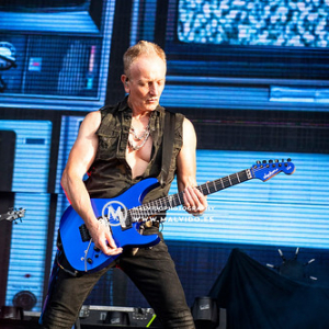 """DefLeppard • <a style=""""font-size:0.8em;"""" href=""""http://www.flickr.com/photos/12855078@N07/48355430061/"""" target=""""_blank"""">View on Flickr</a>"""