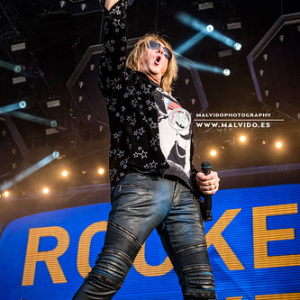 """DefLeppard • <a style=""""font-size:0.8em;"""" href=""""http://www.flickr.com/photos/12855078@N07/48355556922/"""" target=""""_blank"""">View on Flickr</a>"""