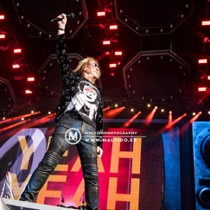 """DefLeppard • <a style=""""font-size:0.8em;"""" href=""""http://www.flickr.com/photos/12855078@N07/48355557142/"""" target=""""_blank"""">View on Flickr</a>"""