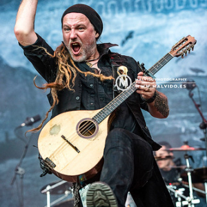 "Eluveitie • <a style=""font-size:0.8em;"" href=""http://www.flickr.com/photos/12855078@N07/49736710802/"" target=""_blank"">View on Flickr</a>"