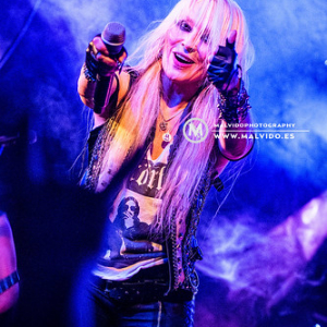 "Doro • <a style=""font-size:0.8em;"" href=""http://www.flickr.com/photos/12855078@N07/46491675235/"" target=""_blank"">View on Flickr</a>"